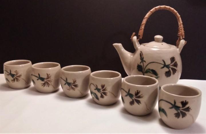 Japanese tea set with six cups