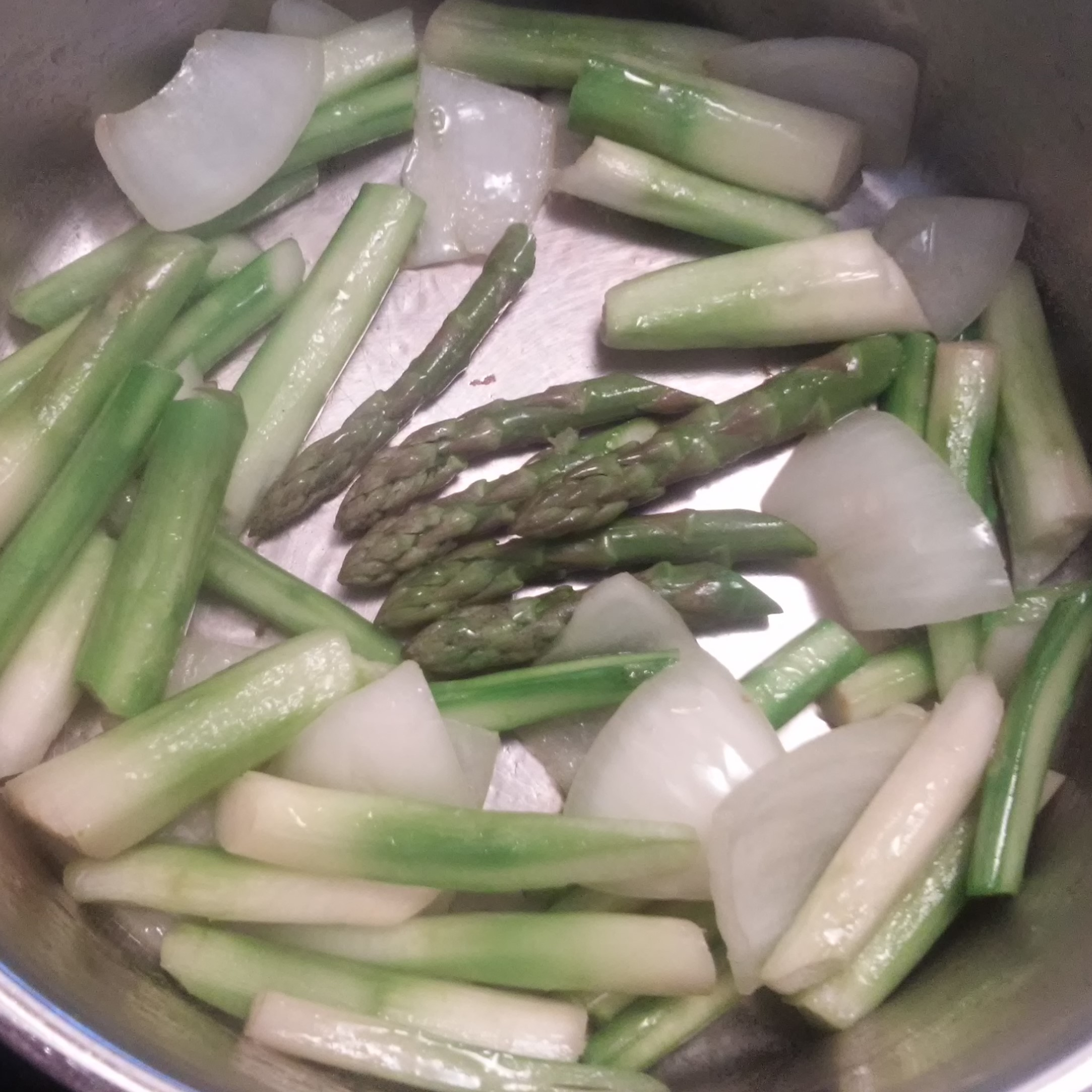 saute onions, asparagus, then tips