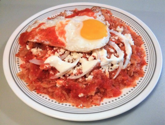chilaquiles with egg