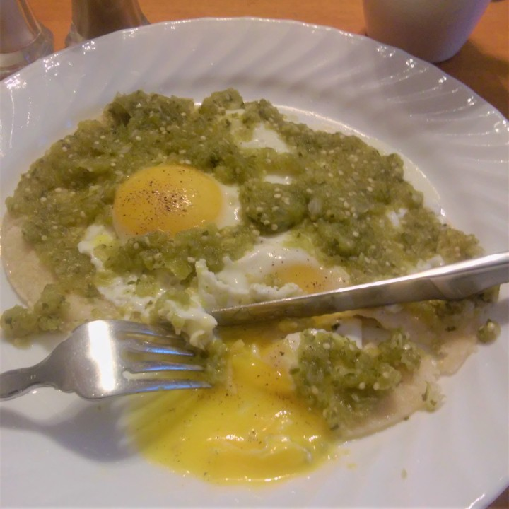 huevos rancheros salsa verde.jpg