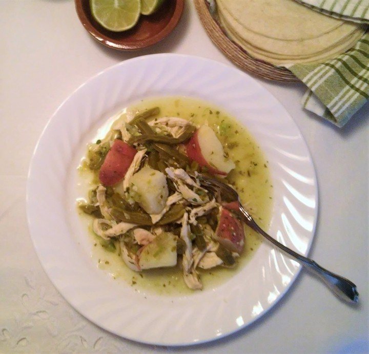 chicken in green sauce birds view