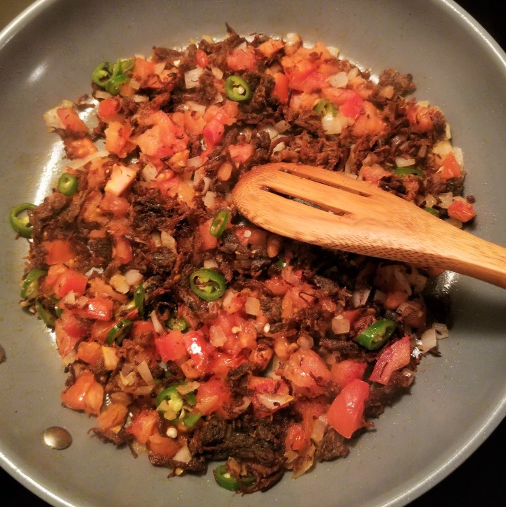 007 add tomatoes let cook Machaca a la mexicana