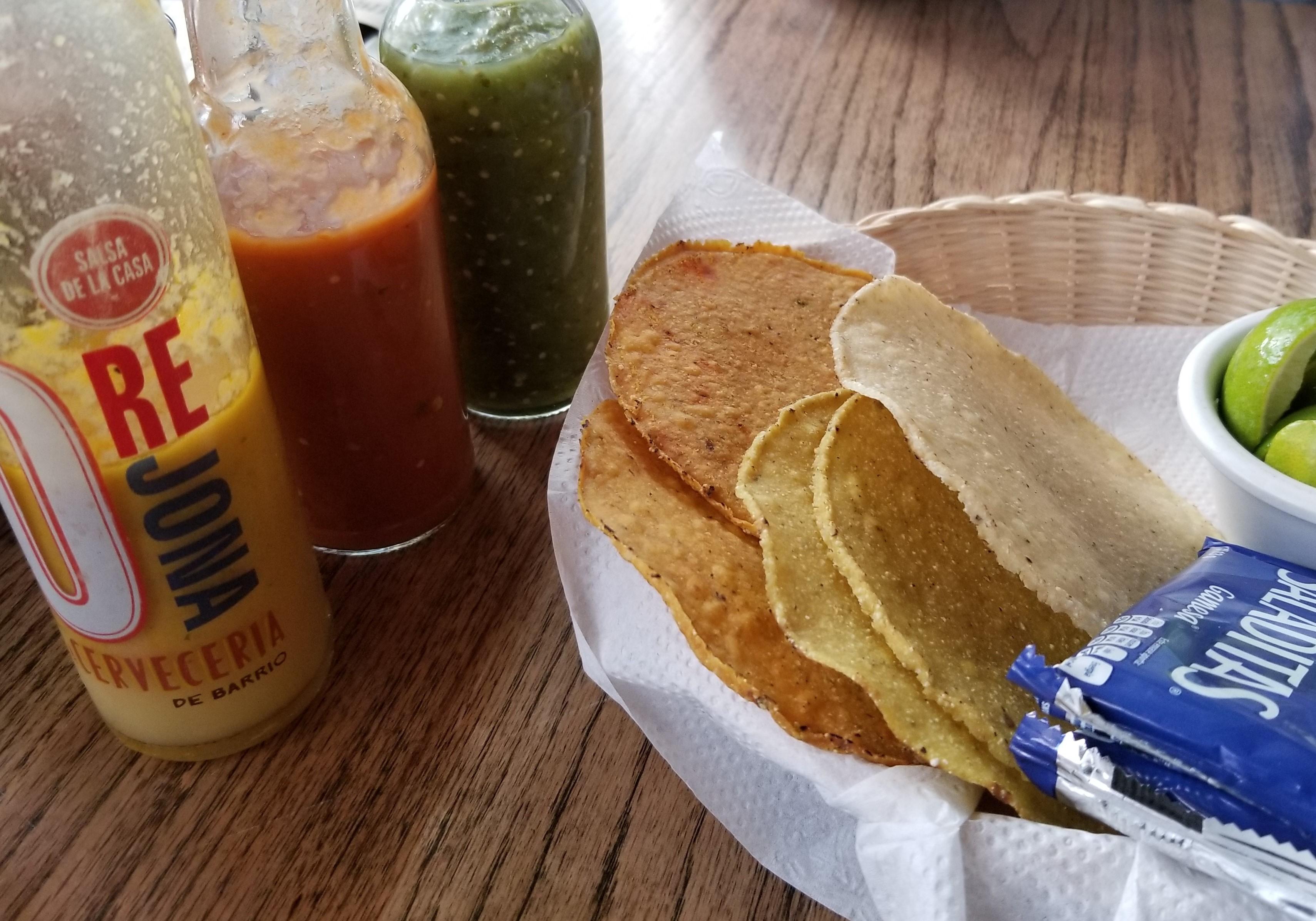 House salsas La Cerveceria de Barrio Manacar