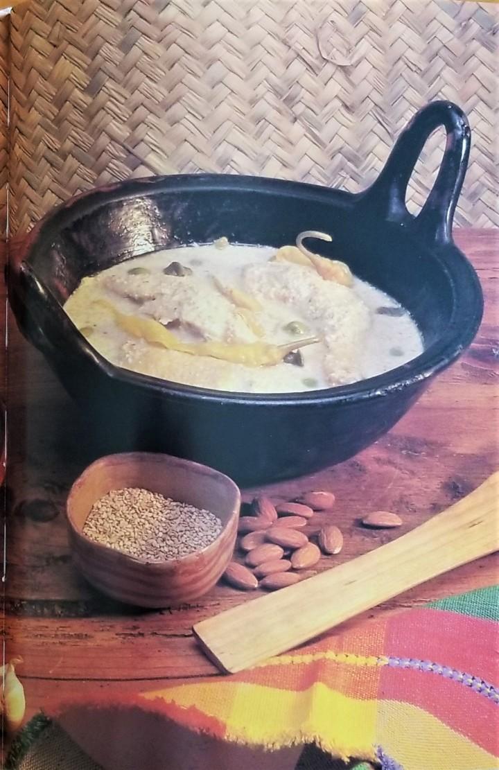 002 Chicken in pipian sauce