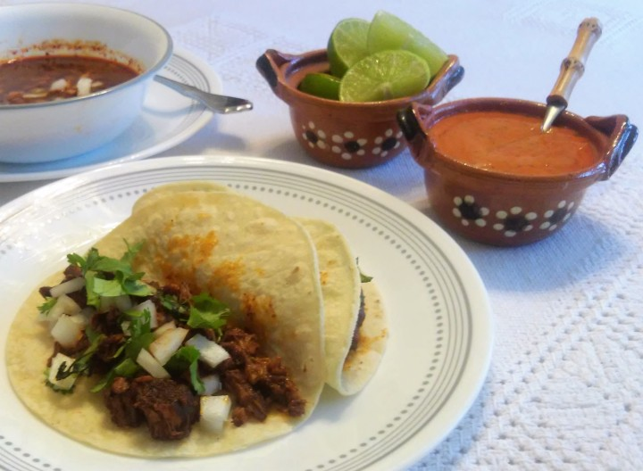 017 Tacos de birria and spicy sauce