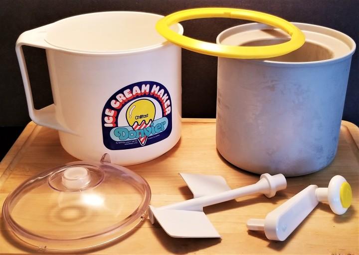 002 Donvier Ice Cram Maker