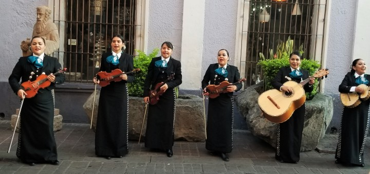 007 mariachi band 1