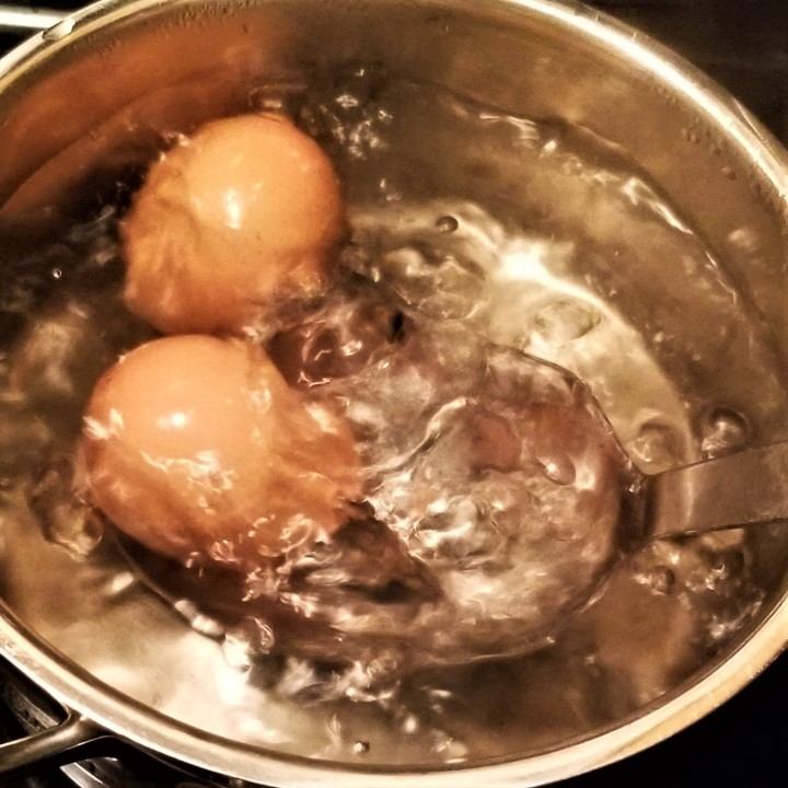 001 boil eggs for one minute or two