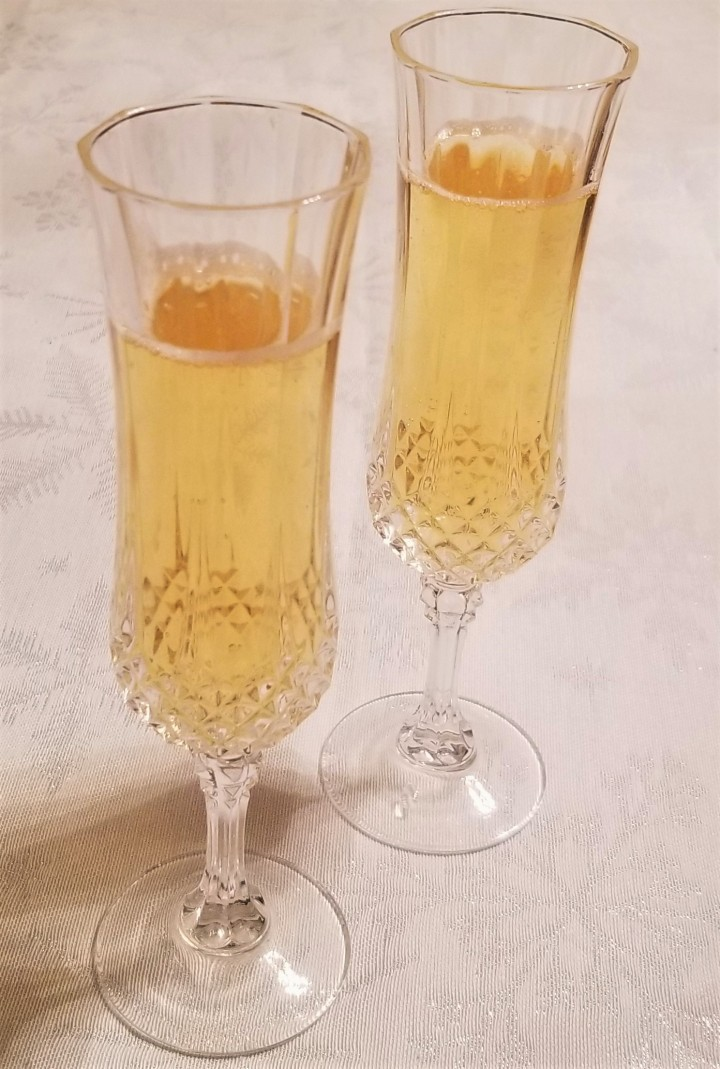 A New Year's Tradition – Cider (Sidra) vs SparklingWine